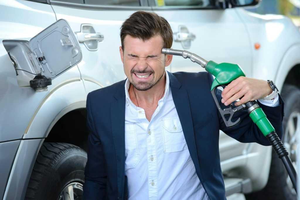 В России вступила в действие новая формула цены на бензин