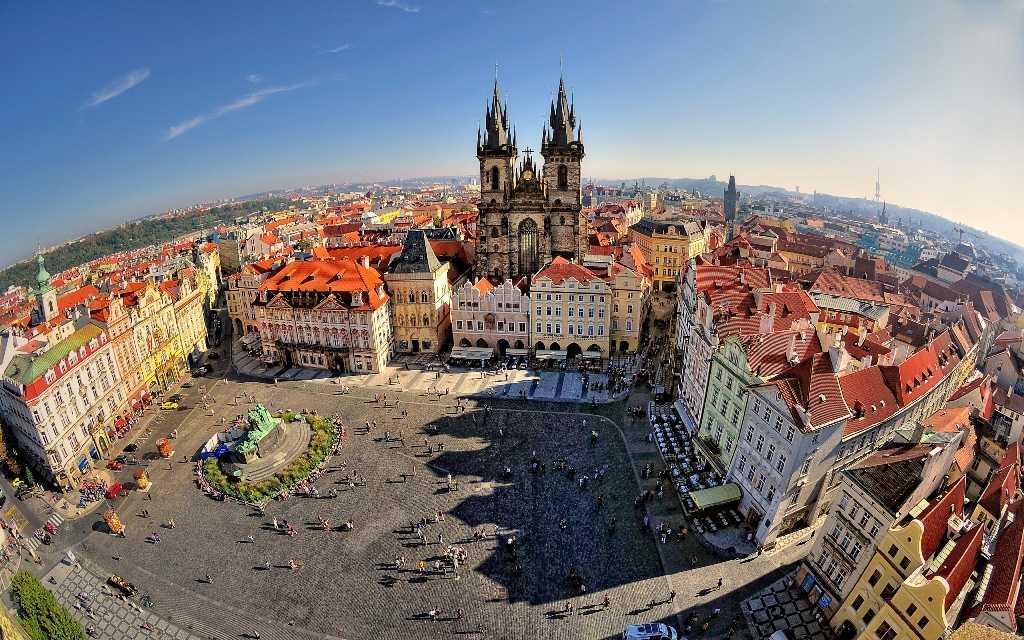 Прага – одна из стран, где может пройти встреча Путина и Байдена