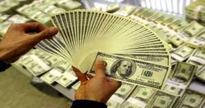 Стало известно число долларовых миллионеров в России