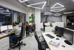 Назвали IT-компании, которые обяжут открыть представительства в России