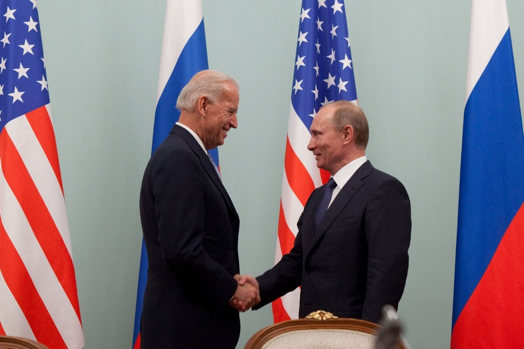 Байден раскрыл, о чем будет говорить на встрече с Путиным