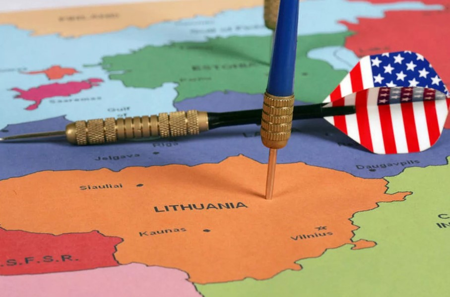 Лавров сравнил США и страны Прибалтики с дворовыми хулиганами