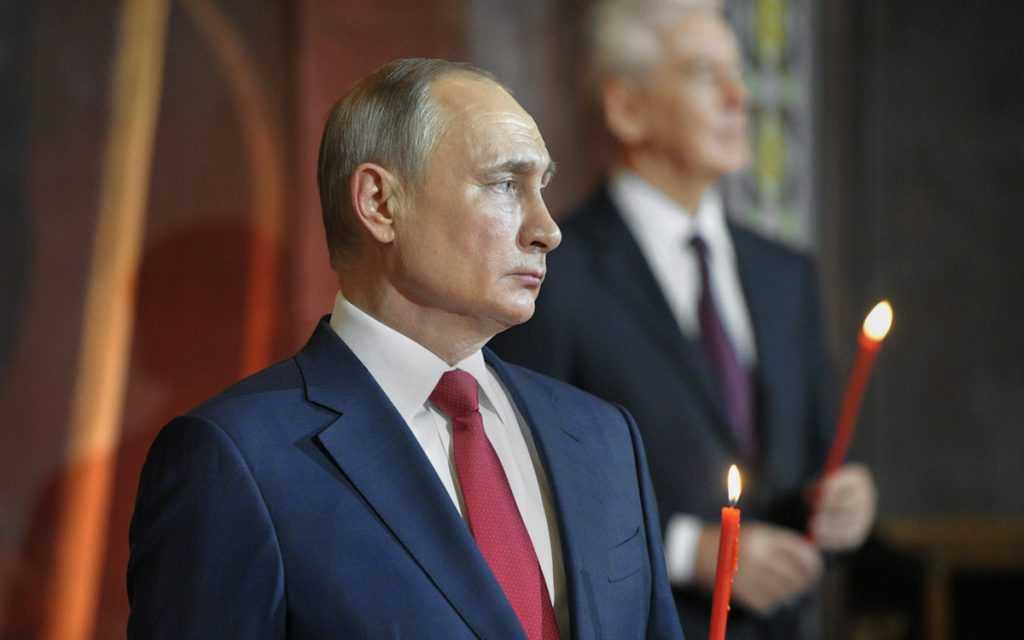 Владимир Путин поздравил всех с Пасхой