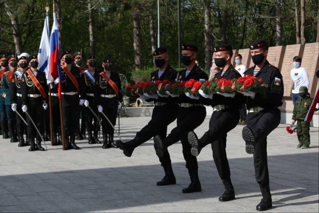 В честь Дня Победы в Севастополе прошёл военный парад