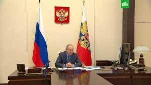 Путин требует наращивать вакцинацию в регионах