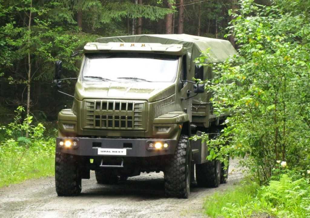 ЧП в подмосковной воинской части: военнослужащего задавили грузовиком на КПП