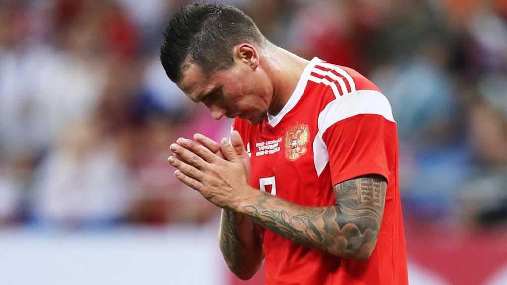 Россия будет играть с Данией с двумя нападающими