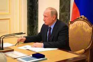 Путин возвращается в рабочий режим офлайн
