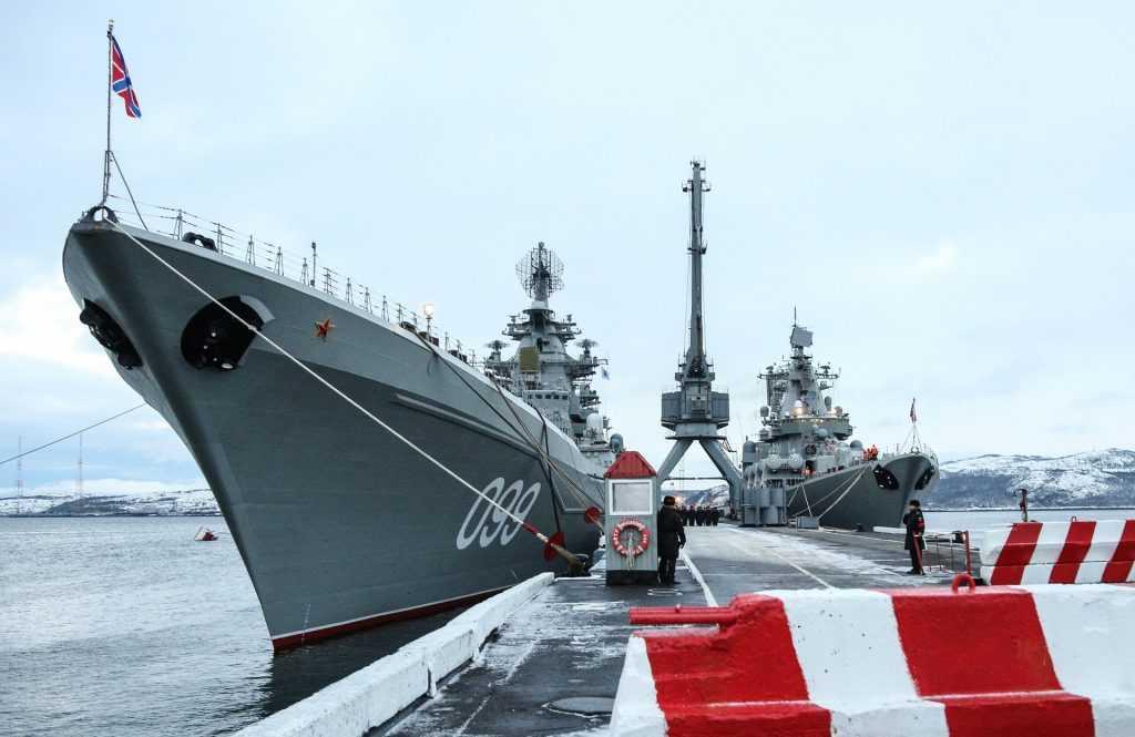 Начались учения на крейсерах Северного флота РФ в Баренцевом море