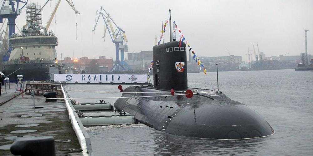 Подводная лодка России провела учения в Черном море на фоне маневров кораблей НАТО