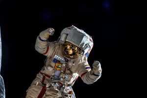 Российские космонавты осуществили первый в 2021 году выход в открытый космос