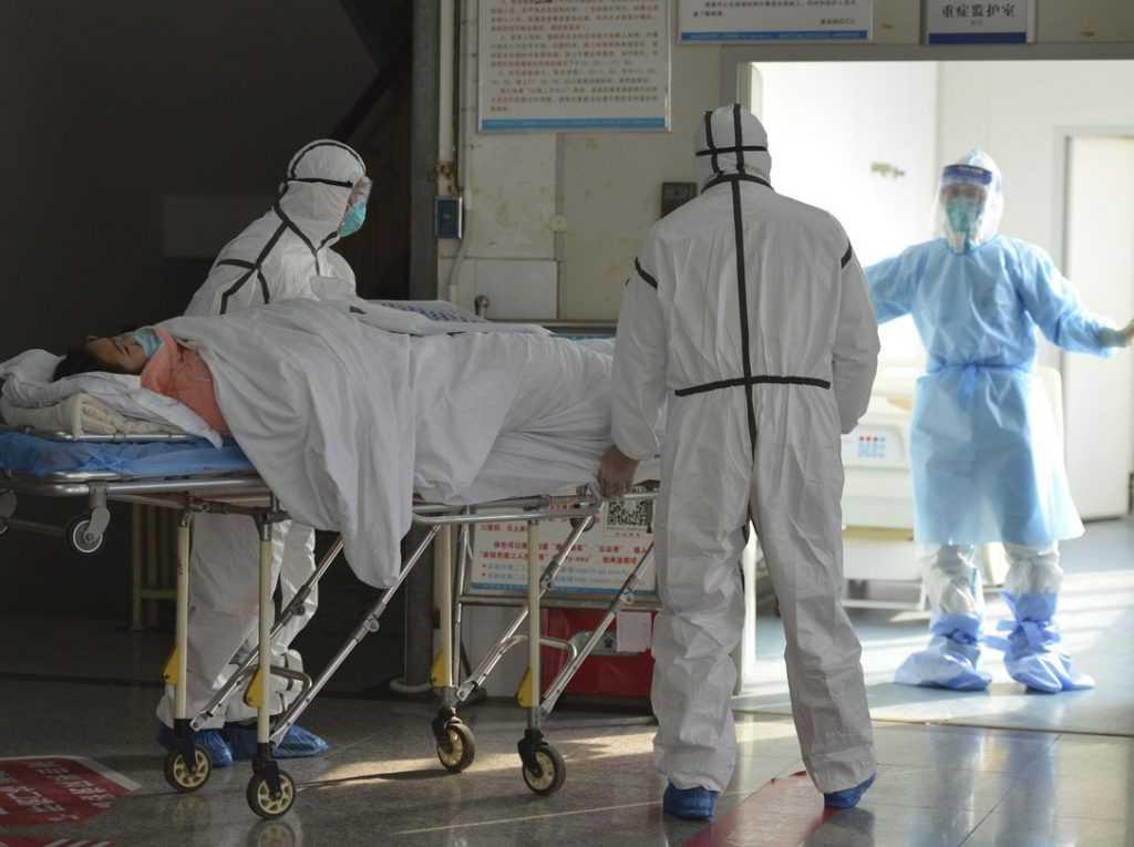 Названы категории населения, которые наиболее уязвимы перед коронавирусом