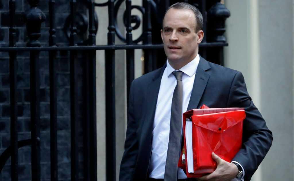 Глава МИД Великобритании хочет встретиться с Лавровым