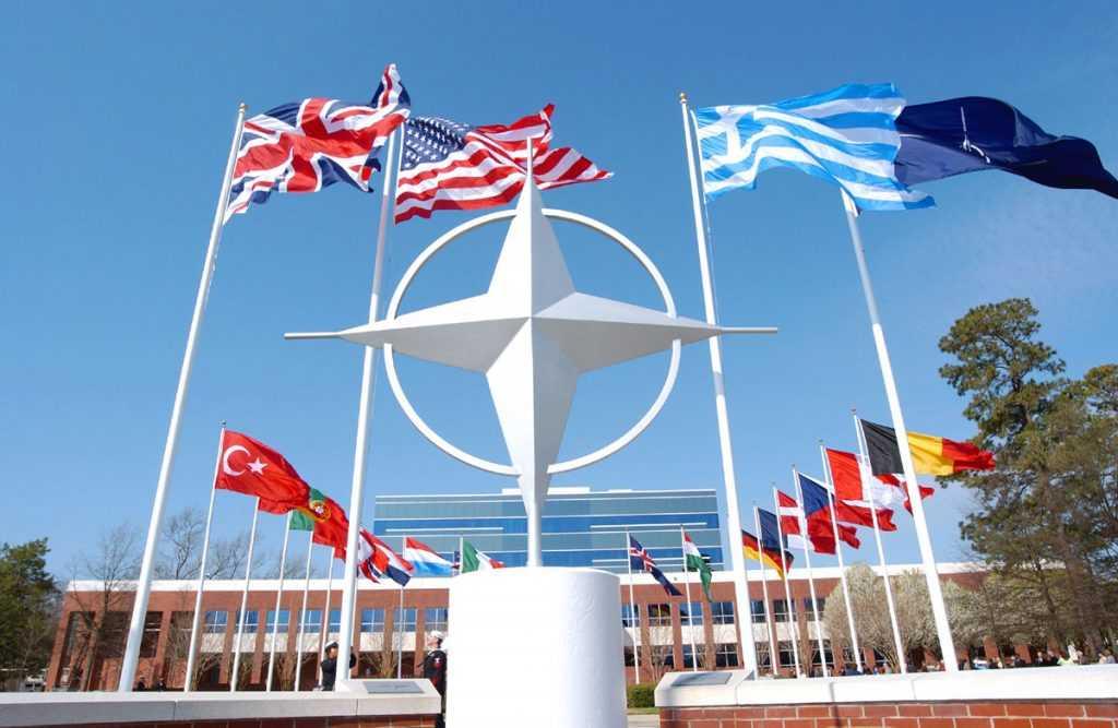 НАТО считает опасным сотрудничество России и Китая