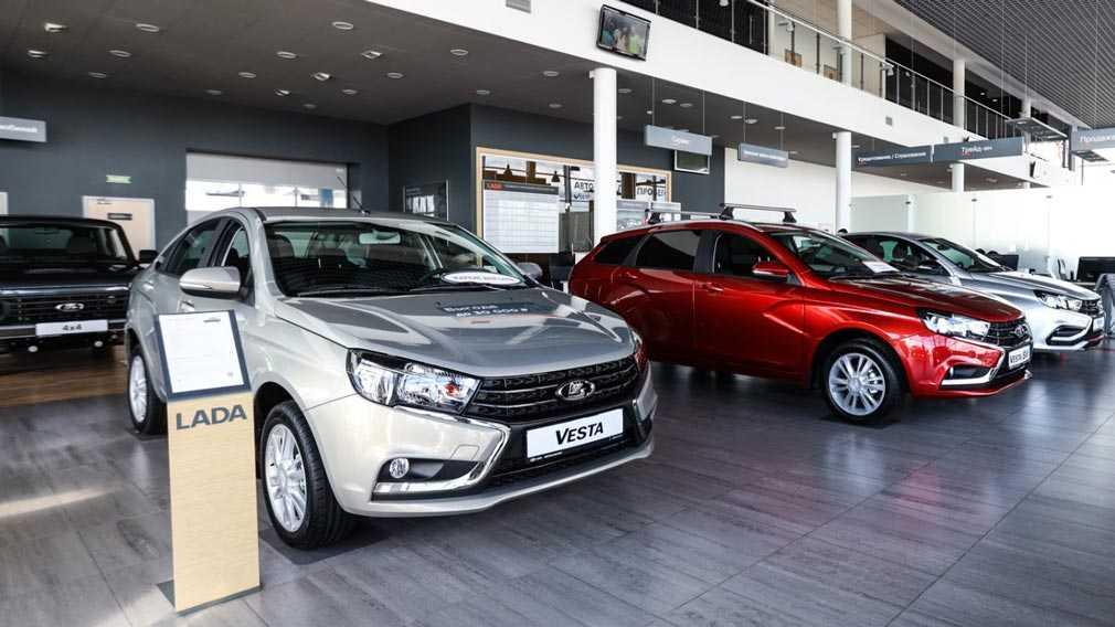 АвтоВАЗ повышает стоимость Lada до 1 млн 200 тысяч рублей