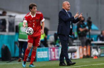 Черчесов встретился с игроками после вылета сборной России с Евро-2020
