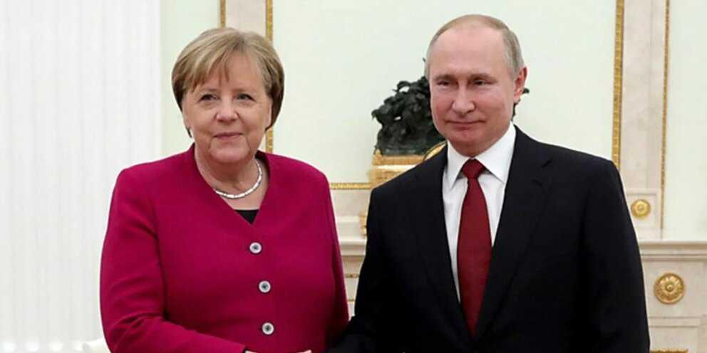 Меркель предложила провести встречу лидеров ЕС и российского президента
