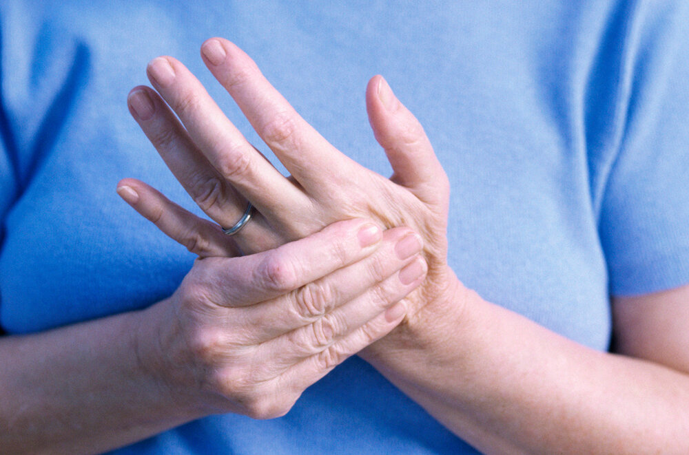 Эпидемиолог рассказала об онемении конечностей у тех, кто переболел коронавирусом