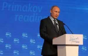 Правительство РФ заявило, что до свержения коронавируса еще долго
