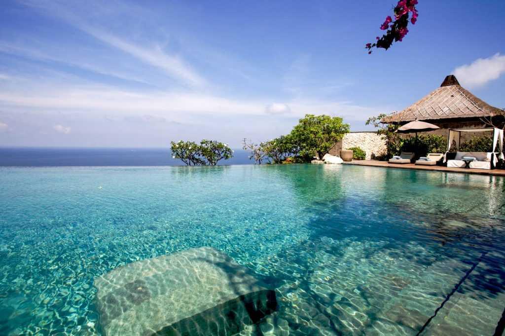 Бали откроют для российских туристов в августе