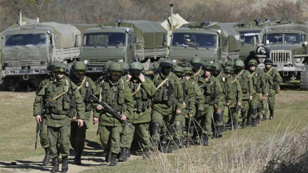 Кулеба заявил, что Россия не отводит свои войска от украинских границ