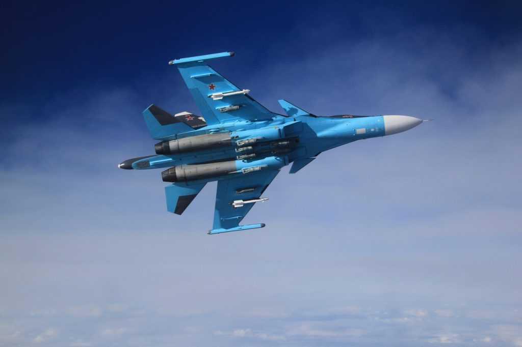 Минобороны России показало уничтожение целей истребителем Су-34