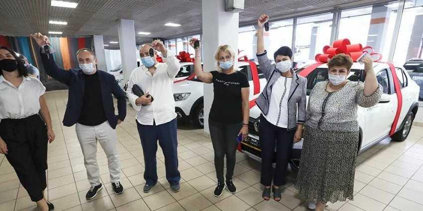 5 автомобилей в Москве разыграли среди вакцинированных от коронавируса