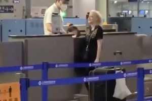 Пьяная россиянка сходила в туалет около стойки регистрации в аэропорту Шанхая