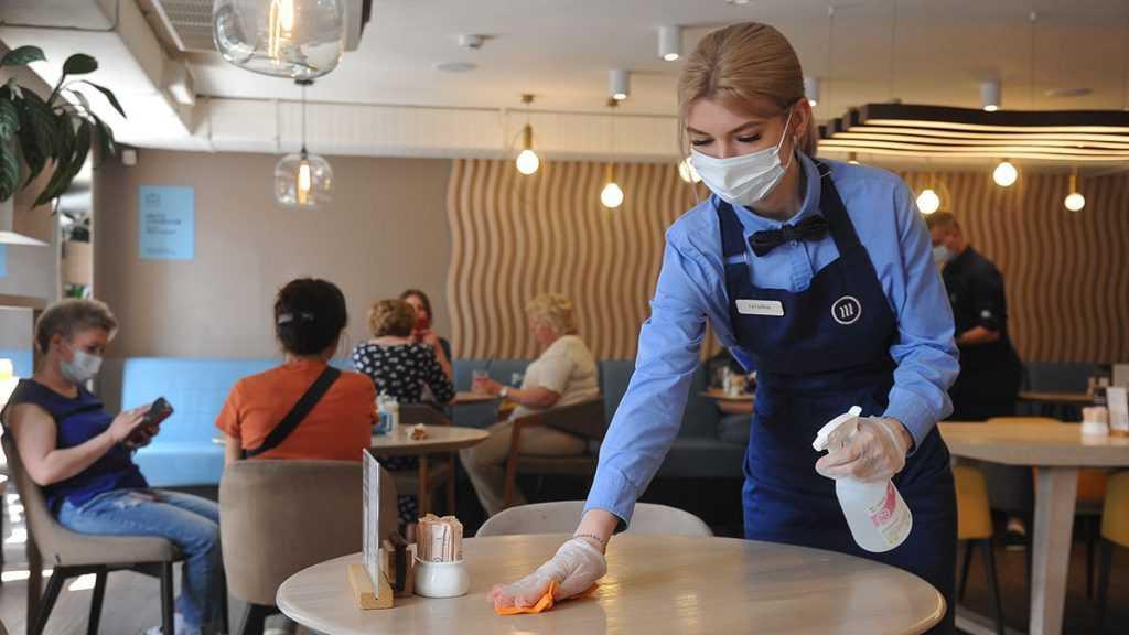 В ресторанах Москвы будут действовать отдельные зоны для посетителей с прививкой