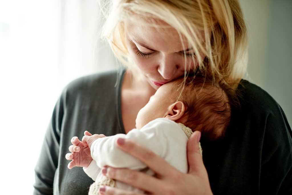 Из-за роковой ошибки врачей россиянка родила чужого ребенка