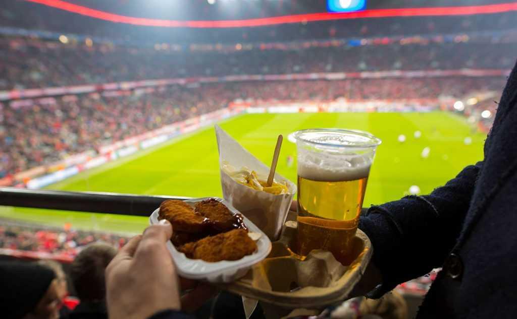 На российские стадионы вернут пиво