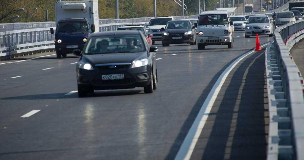 Скорость на дорогах России могут увеличить до 150 км/ч