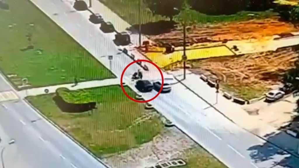 19-летняя девушка на Мазде сбила на пешеходном переходе троих детей в Москве, один в коме