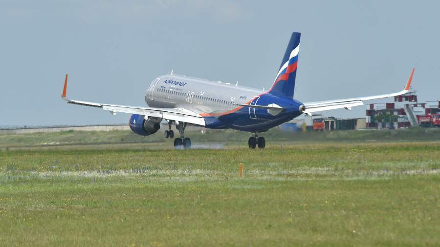 Россия возобновляет авиаперелеты во Францию и Чехию