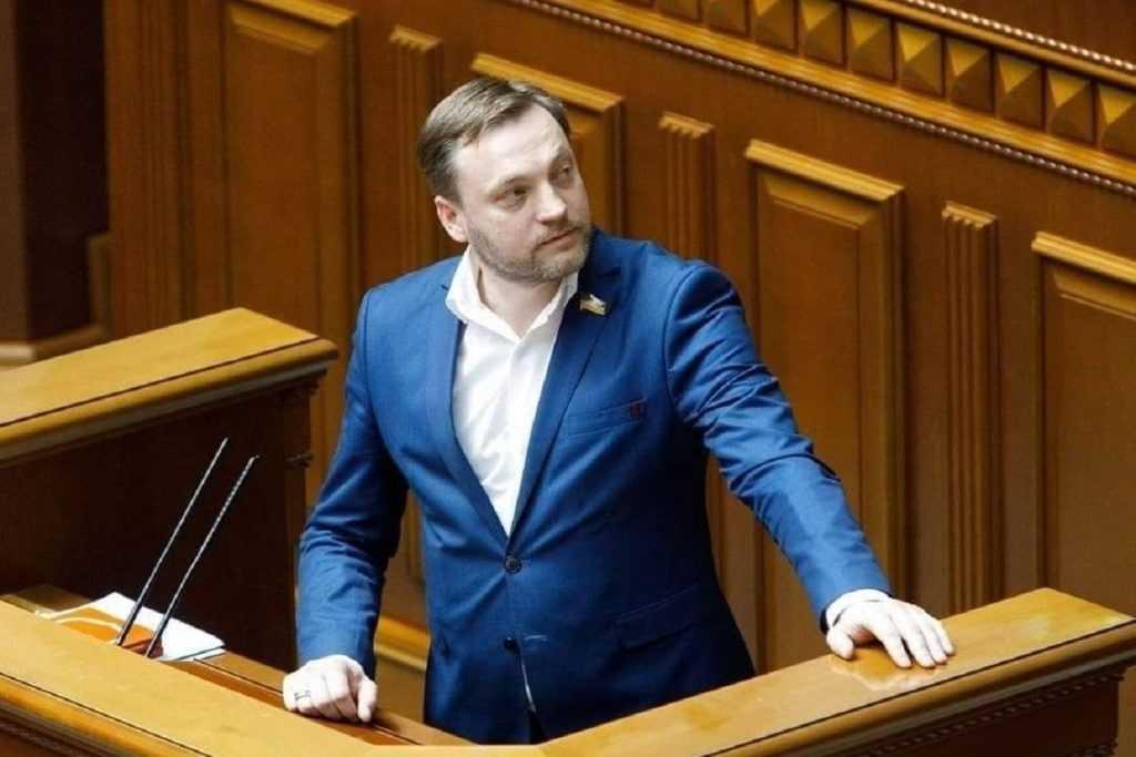 Новый министр внутренних дел Украины решил вернуть Донбасс и Крым