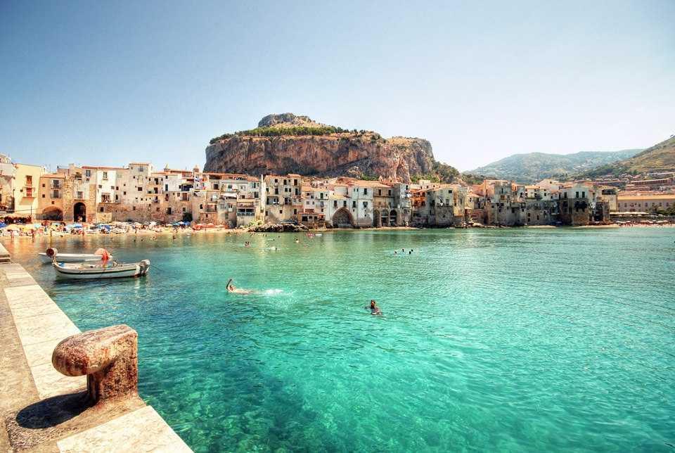 Российские туристы смогут поехать в Италию только после вакцинации