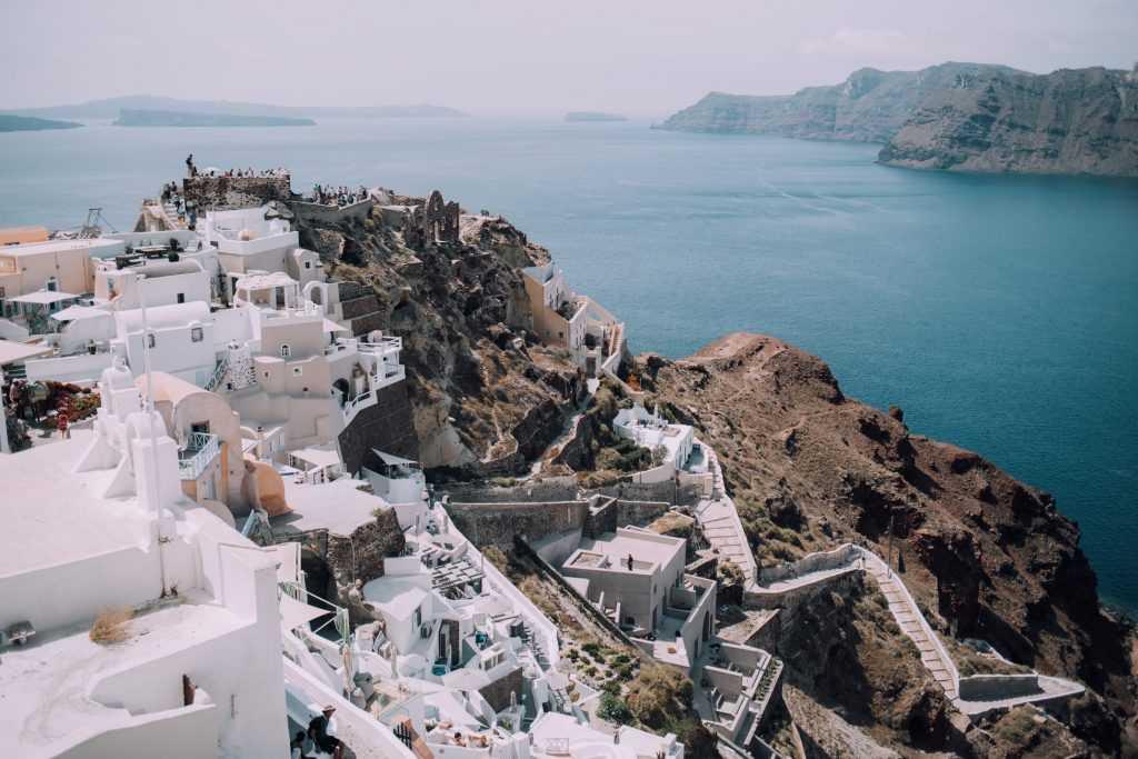 У тысячи россиян отменили туры в Грецию