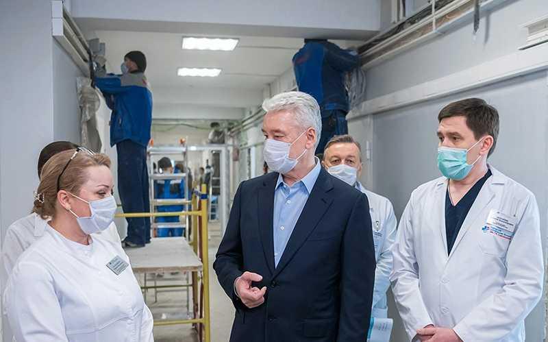 Собянин заявил о тяжелой ситуации с коронавирусом в Москве