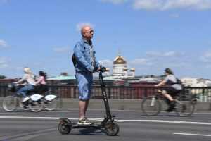 ДОСААФ выступил с предложением запретить электросамокаты на тротуарах