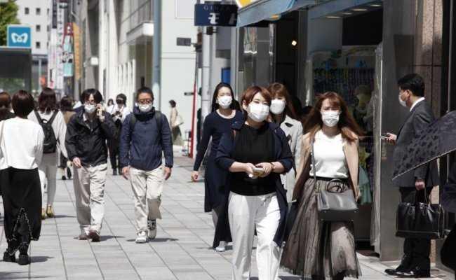 Режим ЧС ввели в трех префектурах близ Токио из-за коронавирусной инфекции