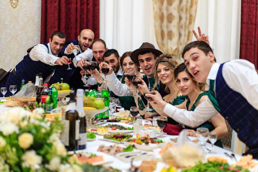 Свадьбы и банкеты в Москве теперь разрешены только в COVID-free заведениях