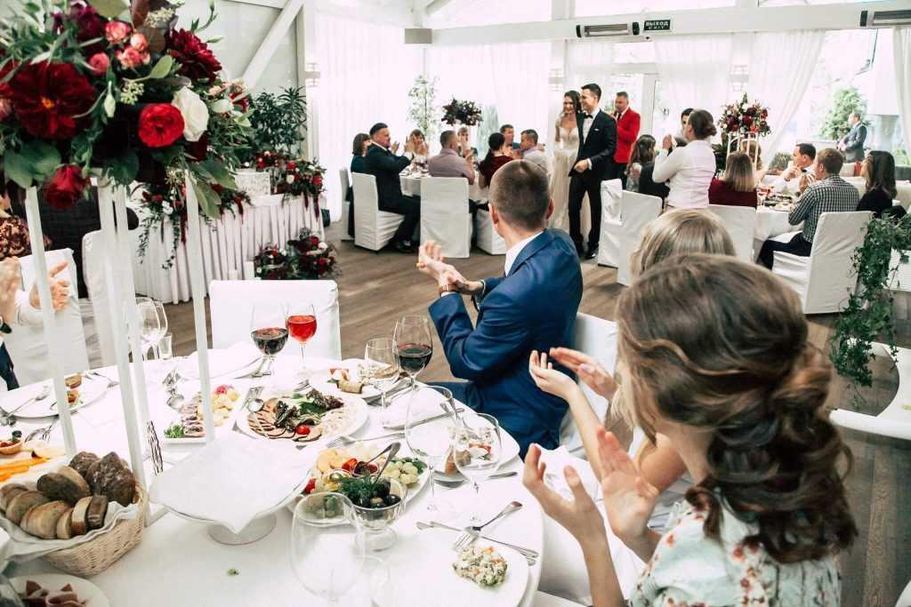 Свадьбы и банкеты в Москве можно проводить только в COVID-free зонах