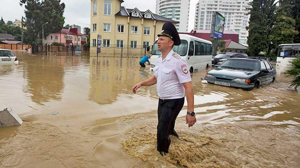 В Сочи угроза наводнения. Жителей призвали готовиться к эвакуации