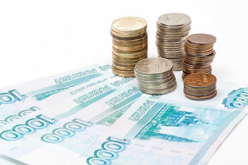 Выплаты к школе в России начнут делать досрочно
