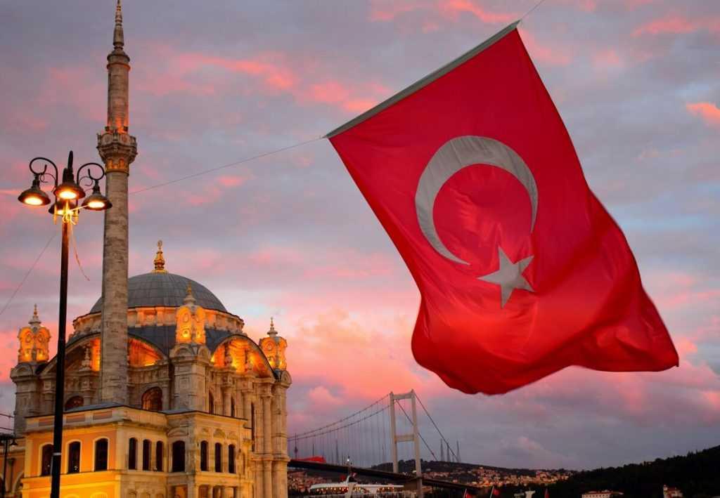 США угрожает Турции из-за покупок оружия у России
