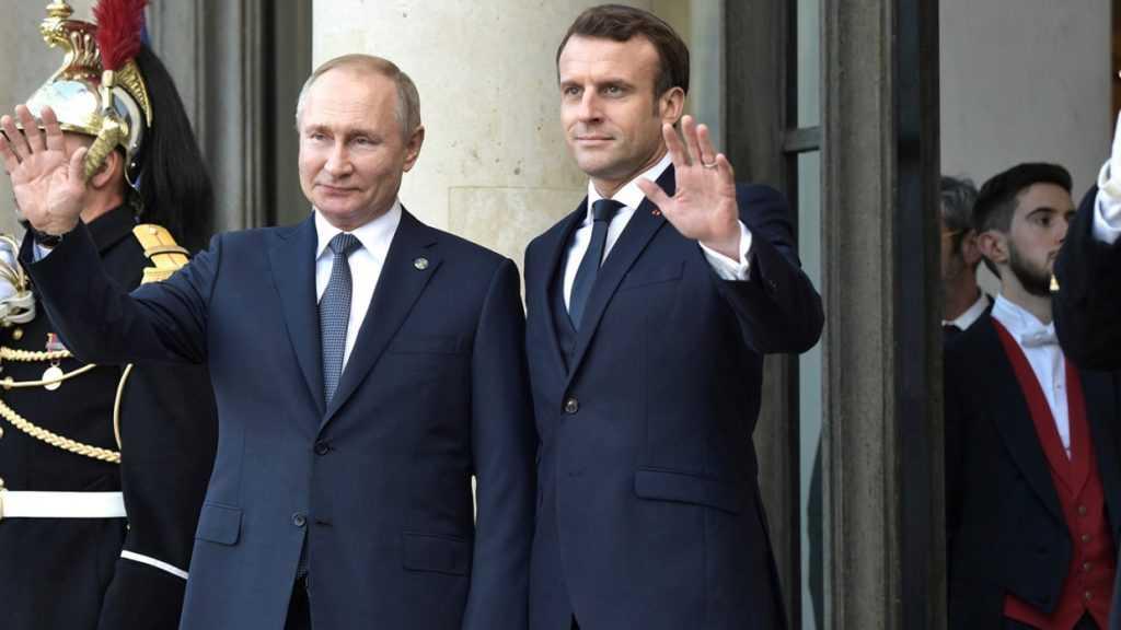 Путин провел телефонные переговоры с президентом Франции