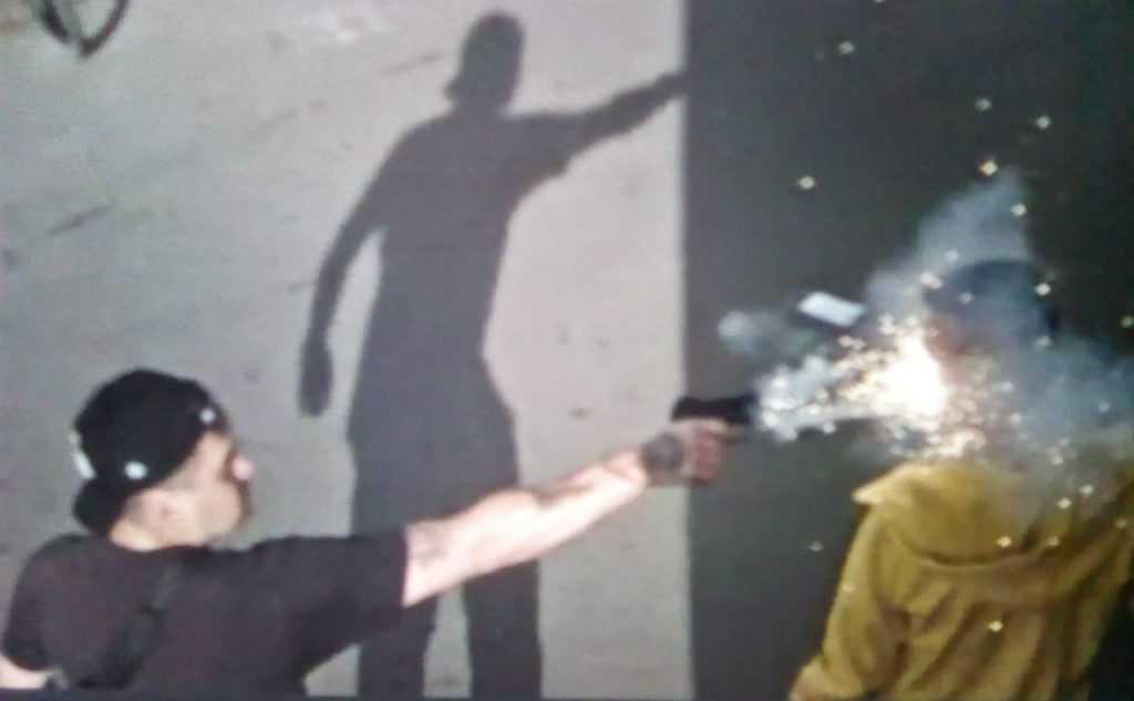 В центре Санкт-Петербурга мужчине выстрелили из газового пистолета в лицо