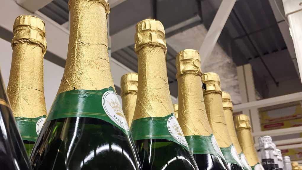 Франция прекращает экспорт шампанского в Россию