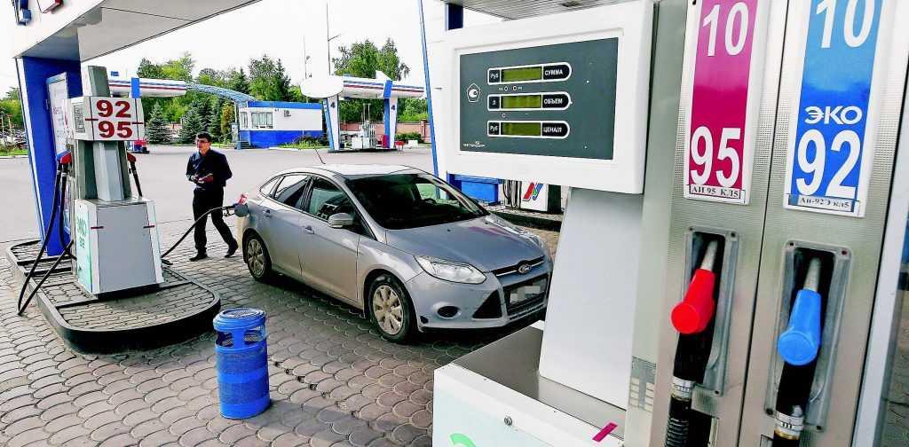 Цены на топливо в России снижать не будут
