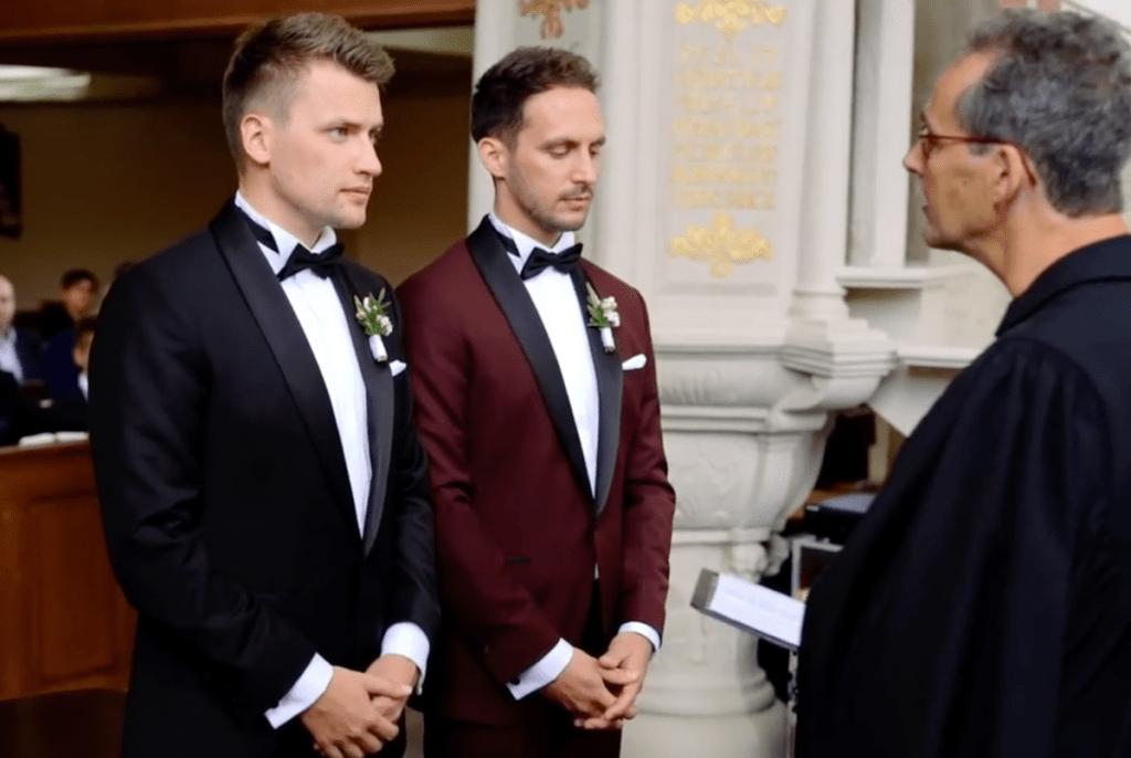 Россияне не одобряют однополые браки